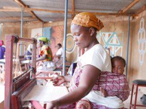 Projet d'autonomisation de femmes artisanes par le développement de leurs débouchés commerciaux au niveau local et le développement de leurs unités de production