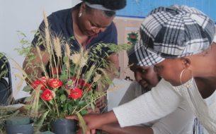 Favoriser l'insertion socio-professionnelle des femmes en demande d'asile et éloignées de l'emploi à travers des ateliers de création de bouquets de fleurs bio, locales et de saison
