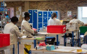 Favoriser l'insertion socio-professionnelle de femmes éloignées de l'emploi en les formant aux métiers du recyclage de jouets